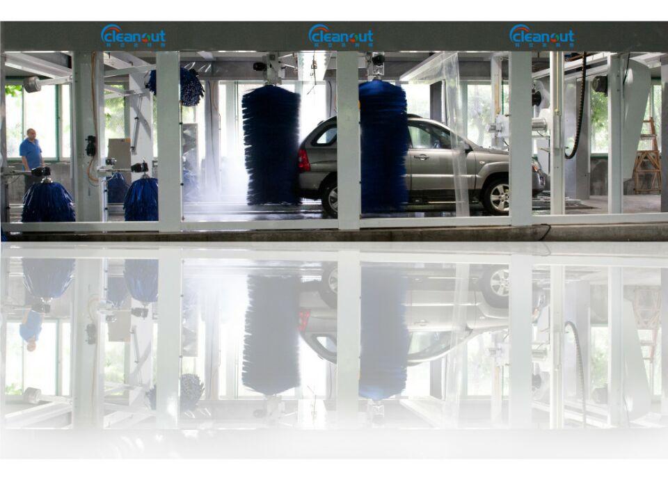四川洗车机-本机采用进口特制毛刷,全电脑控制程序,安全可靠。